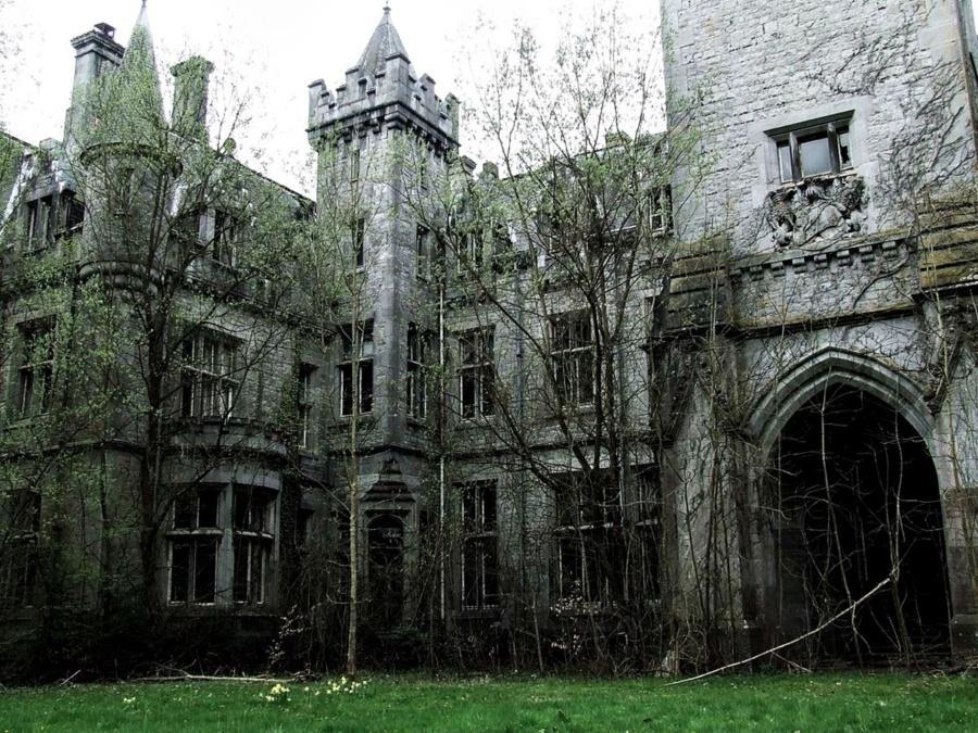 Замок Миранда (замок Наузи),