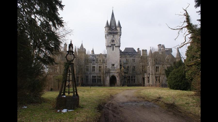 Замок Миранда (замок Наузи), город Сель, провинция Намюр, Бельгия